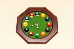 Horloges van biljartballen die worden gemaakt Royalty-vrije Stock Fotografie