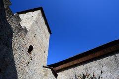 Horlogetoren van een kasteel in Europa Royalty-vrije Stock Foto's