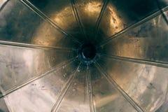 Horn- högtalare av den gamla tappninggrammofonen, retro bakgrund för abstrakt musik Royaltyfria Bilder