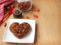 Corazón del chocolate al día de fiesta romántico fotografía de archivo libre de regalías