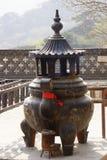 Hornilla de incienso en un templo chino Imágenes de archivo libres de regalías