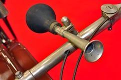 hornmotorcykeltappning Royaltyfria Foton