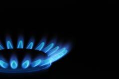 Horno de gas ardiente en cocina Fotografía de archivo