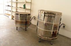 Horno de la despedida de la cerámica de la pequeña escala usado en escuela imagen de archivo libre de regalías