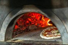 Horno de la pizza en Nápoles Foto de archivo libre de regalías