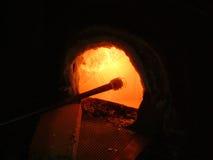 Horno en un taller que sopla de cristal Fotografía de archivo