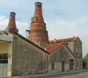 Horno viejo donde los ladrillos fueron hechos de ladrillo Foto de archivo libre de regalías