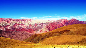 Hornocal :颜色山- MontaA±aa de Colores 库存图片