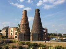Hornos de la botella del ladrillo en Staffordshire en el ajuste pacífico foto de archivo libre de regalías