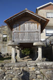 Horreo保持的传统建筑在北西班牙收获了五谷 免版税库存照片