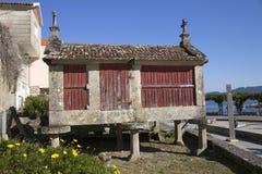 Horreo μια παραδοσιακή κατασκευή για να κρατήσει το συγκομισμένο σιτάρι στη βόρεια Ισπανία Στοκ Φωτογραφία