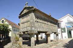 Horreo en Galicianspannmålsmagasin Arkivbilder