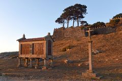 Horreo i den kust- byn av Baiona i Pontevedra, gummin Royaltyfri Fotografi