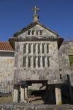 Horreo tradycyjna budowa utrzymywać zbierał adrę w północnym Hiszpania Fotografia Royalty Free