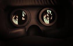 Horror de las auriculares de VR imagen de archivo libre de regalías