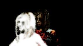 Horror-Zombie mit Effekten stock video