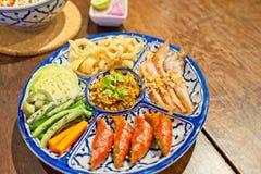 Hors d ` dzieła Północny tradycyjny Tajlandzki jedzenie - Północny Tajlandzki jedzenie styl, wieprzowiny skórka, Notrhern Tajland Obrazy Stock