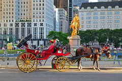 Horse carriage in front of Grand Army Plaza in New York City Stock Images