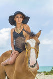 And Horse di modello castana ispano Immagini Stock Libere da Diritti