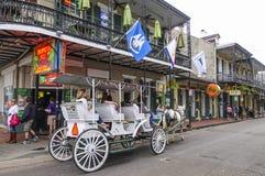 Horse-drawn αμάξι στη γαλλική συνοικία Νέα Ορλεάνη - ΝΕΑ ΟΡΛΕΆΝΗ, ΛΟΥΙΖΙΑΝΑ - 18 Απριλίου 2016 Στοκ εικόνες με δικαίωμα ελεύθερης χρήσης
