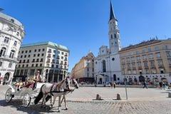 Horse-drawn μεταφορά - ιστορικό κέντρο της Βιέννης, Αυστρία Στοκ φωτογραφία με δικαίωμα ελεύθερης χρήσης