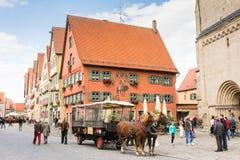 Horse-drawn μεταφορά σε Dinkelsbuehl Στοκ Εικόνα