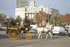 Horse-drawn μεταφορά στη Βαρκελώνη, Καταλωνία, Ισπανία Στοκ φωτογραφία με δικαίωμα ελεύθερης χρήσης