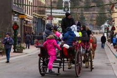 Horse-drawn γύρος βαγονιών εμπορευμάτων Στοκ φωτογραφίες με δικαίωμα ελεύθερης χρήσης