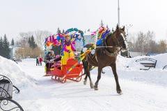 Horseback jazda w saniu Wakacje Maslenitsa Siber Obraz Stock