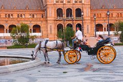 Horsedrawn κάρρο Plaza de Espana, Σεβίλη, Ισπανία Στοκ Φωτογραφία