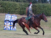 Horsemann romano no alvo imagem de stock