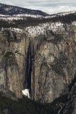 Horsetail fällt über vom Yosemite-Tal Stockbild