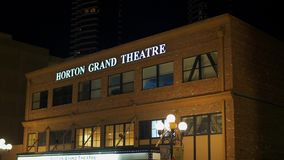 Horton Grand Theater bij historisch Gaslamp-Kwart San Diego 's nachts - CALIFORNIË, de V.S. - 18 MAART, 2019 stock footage