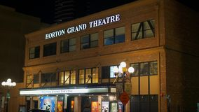 Horton Grand Theater bij historisch Gaslamp-Kwart San Diego 's nachts - CALIFORNI?, de V.S. - 18 MAART, 2019 stock footage