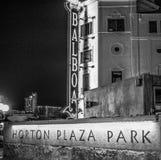 Horton Plaza Park no quarto hist?rico San Diego de Gaslamp na noite - CALIF?RNIA, EUA - 18 DE MAR?O DE 2019 fotografia de stock