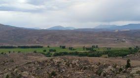 Horyzont z polami 35 i górami obrazy royalty free
