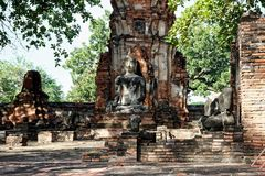 Horyzontalna fotografia Buddha statua w medytaci obraz stock