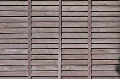 Horyzontalna tekstura ściana od kilka rzędów brown stare drewniane deski Malująca drewniana ściana w brown colo Obraz Royalty Free