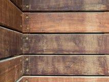 Horyzontalne drewniane deski przymocowywać z śrubami obrazy royalty free