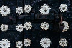 Horyzontalnego rocznika bramy antykwarski drzwiowy kędziorek Obrazy Royalty Free