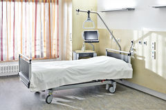 Hospital de la cama de los cuartos Imagenes de archivo