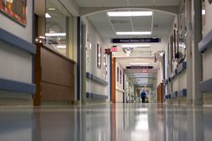 Free Hospital Hallway Stock Photography - 12593862