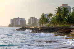 Hotéis da praia de San Juan Imagem de Stock Royalty Free