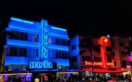 Hotéis de néon de Miami Beach fotografia de stock royalty free