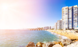 Hotéis na praia em Vina del Mar, o Chile Imagem de Stock