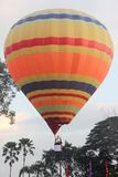 Hot air ballon flying Royalty Free Stock Photography