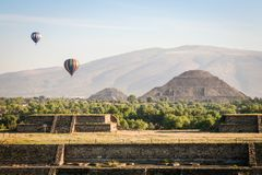 Hot air ballons over teh pyramids of Teotihuacan in Mexico stock images