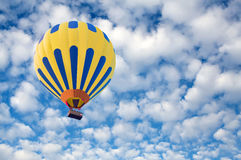 Hot air balloon in blue sky Royalty Free Stock Photography