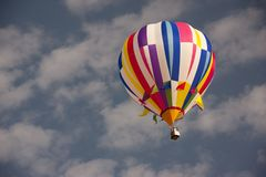Hot air balloon in clear sky Royalty Free Stock Images