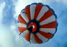Hot air balloon in flight Stock Photography